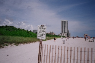 haulover-clothing-optional-beach-sign